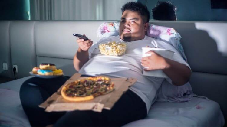 What Are The Side Effects of Overeating at Night?